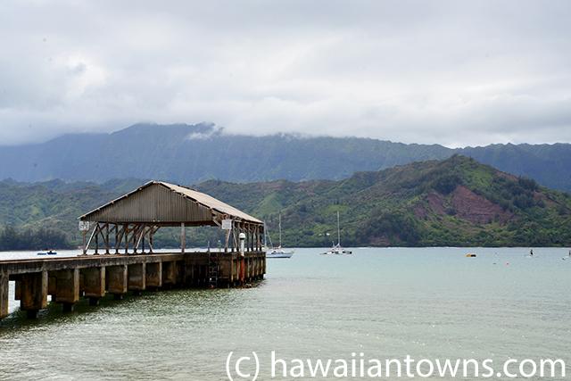 ハナレイ湾の桟橋