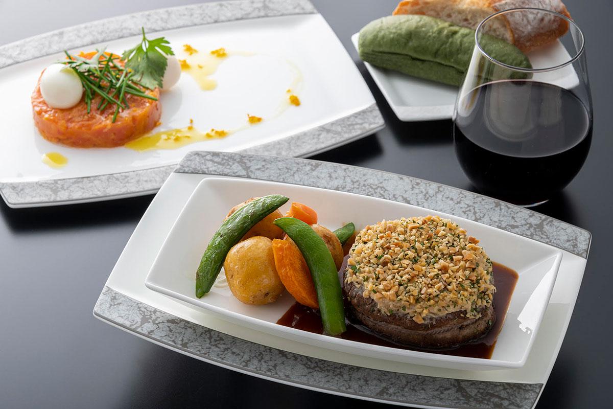 ビジネスクラス洋食メイン肉
