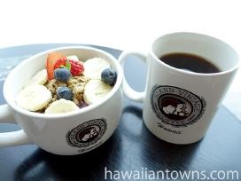 定番メニューはアサイーボウルとコナコーヒー&カウコーヒー